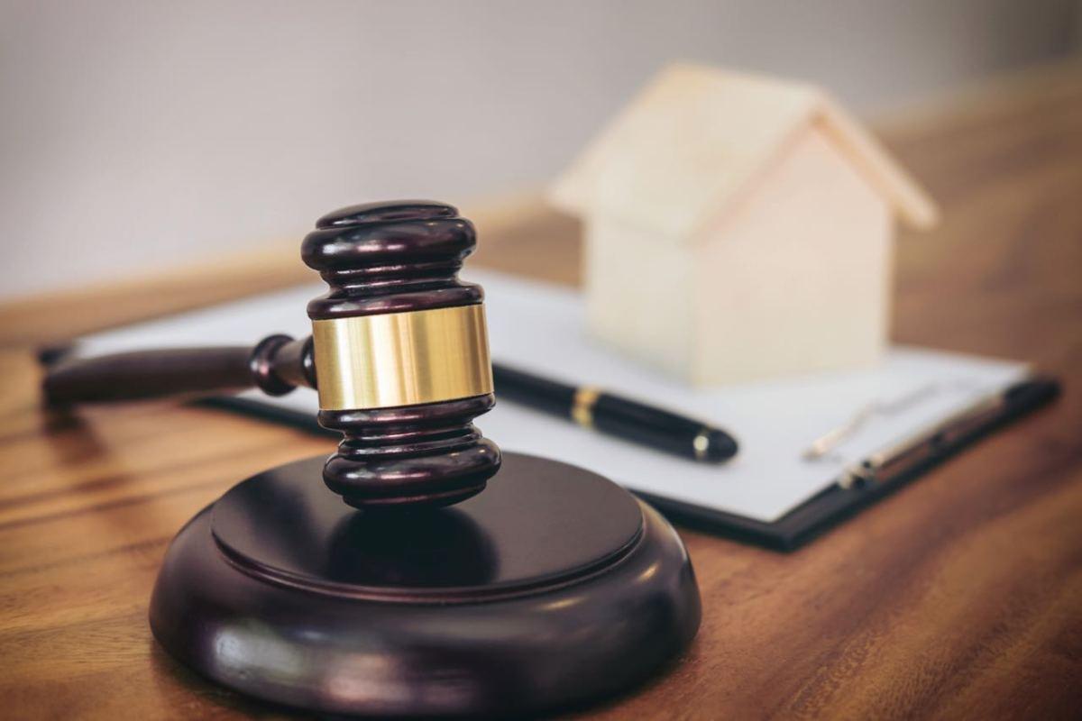 Carolina del Norte lidera coalición de 22 estados en demanda contra discriminación en la vivienda