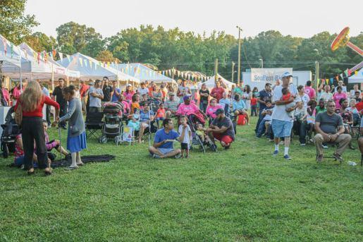 Familias disfrutan del tradicional SonFest