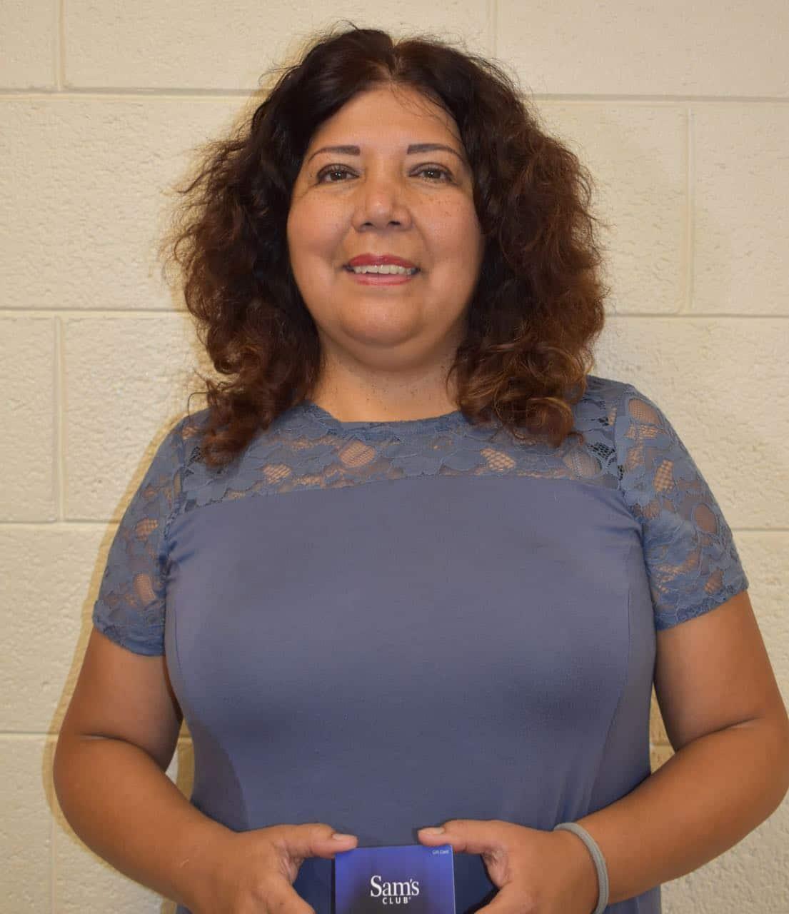 Reconocen trabajo de profesora latina de Greensboro