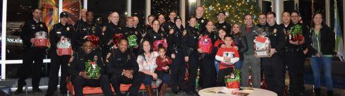 Comunidad reconocen la labor de los oficiales de policía de Durham