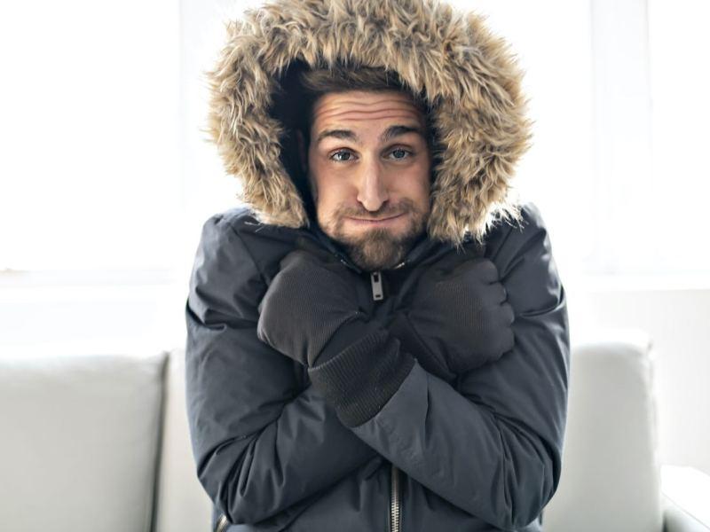 Cómo su familia puede combatir los peligros del clima frío