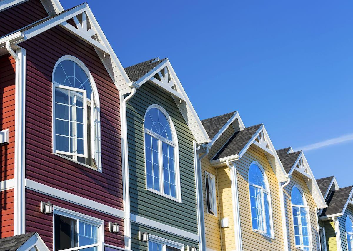 Charlotte podría permitir casas adosadas, dúplex, o triplex en vecindarios unifamiliares tradicionales