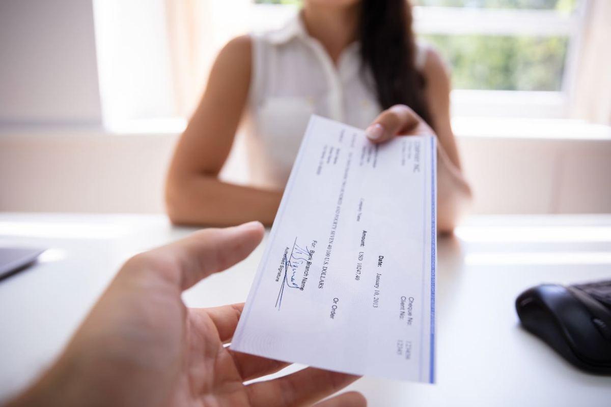 Trabajos de bajos salarios hacen que vivienda sea inaccesible