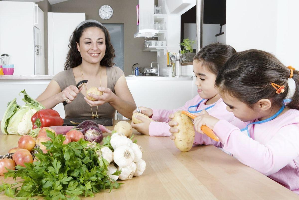 La obesidad en niños y adolescentes es un tema serio ¿qué podemos hacer?