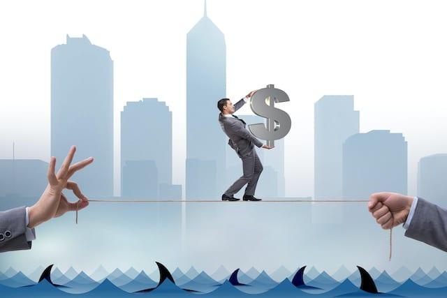 Evite pedir préstamos a corto plazo pero con altos intereses