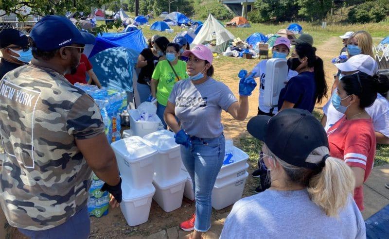 Crisis de personas sin hogar en Charlotte: latinos se unen para ayudar