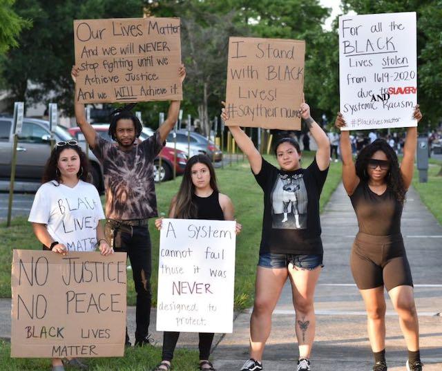 """Estudiantes latinos se unen al movimiento """"Las Vidas Negras Importan"""""""