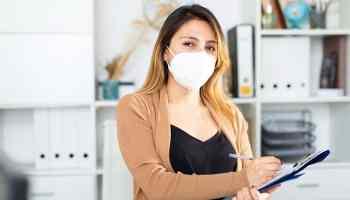 Latinas son las más afectadas por la pérdida de empleos en COVID-19