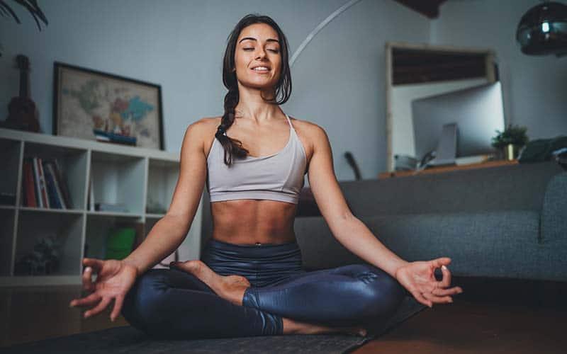 Maneras de mejorar su salud mental durante tiempos estresantes