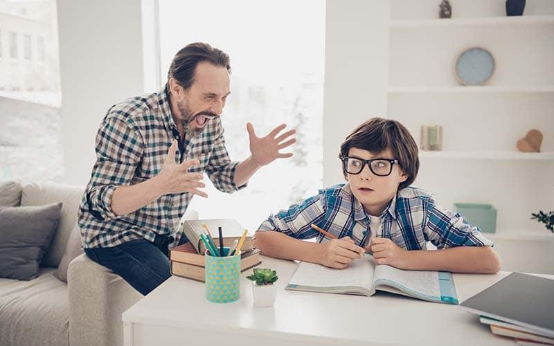 Razones para no gritar a tus hijos buscando disciplina