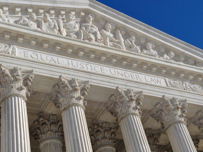 Corte Suprema emite decisión reformadora de la dinámica electoral con la que ganó Trump