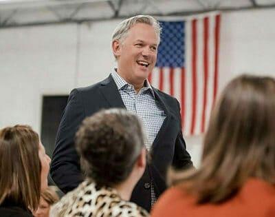 Dan Forest: Conozca al conservador que quiere ser gobernador de Carolina del Norte