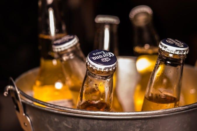 Charlotte prohibe la venta de alcohol en restaurantes despues de las 11:00 p.m