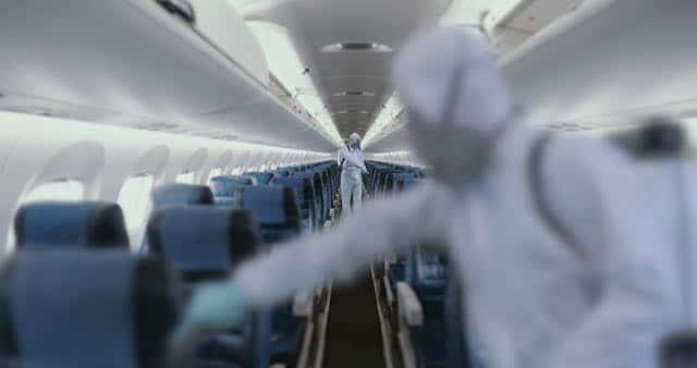 american-airlines-es-la-primera-aerolinea-en-usar-desinfectante-que-mata-coronavirus-hasta-por-una-semana