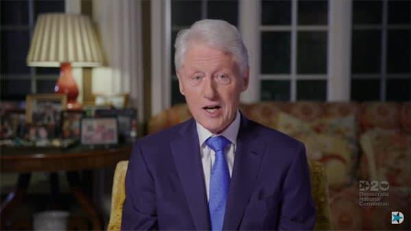 "Bill Clinton: Trump solo ""fanfarroneó"" en la pandemia"
