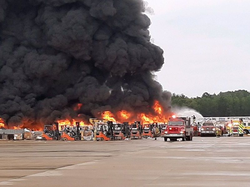 Gran incendio en una planta industrial en el condado de Chester