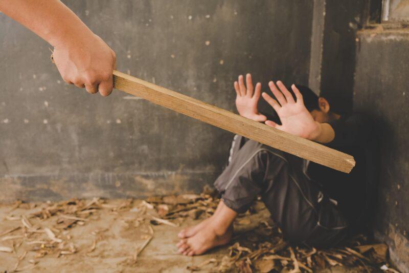 agresiones a menores