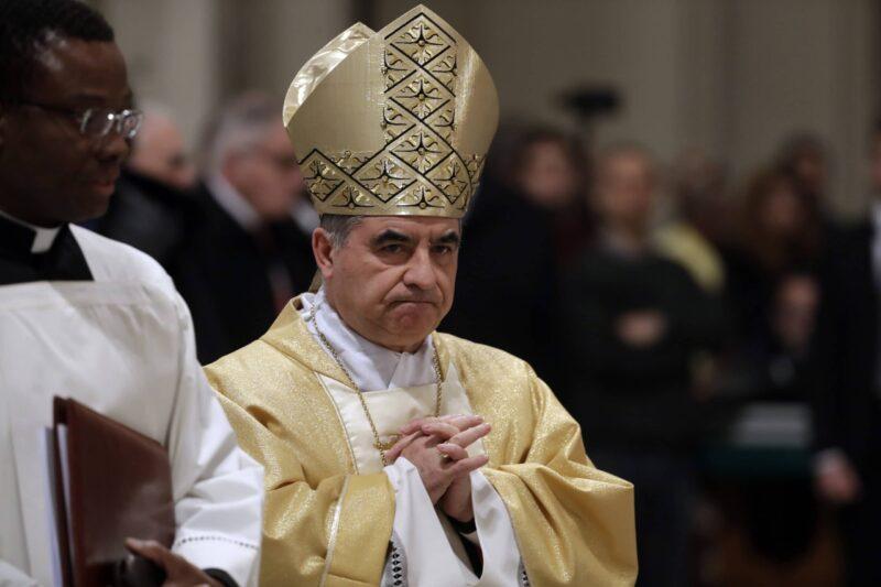 renuncia Cardenal Becciu