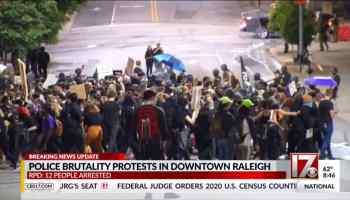 Arrestan 12 personas por protestas en Downtown Raleigh