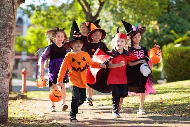 CDC recomienda NO pedir dulces de casa en casa este Halloween