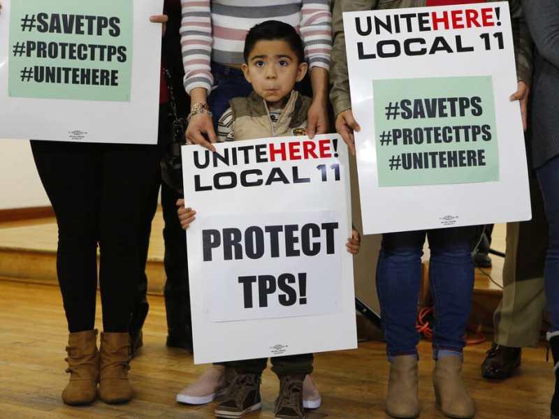 Tribunal permite a Trump cancelar TPS de 4 países