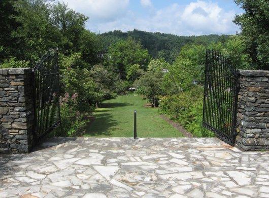 Daniel-Boone-Native-Gardens3