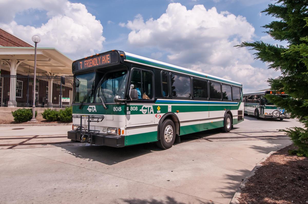 greensboro-ofrece-servicios-de-transporte-gratuito-para-el-periodo-de-voto-anticipado