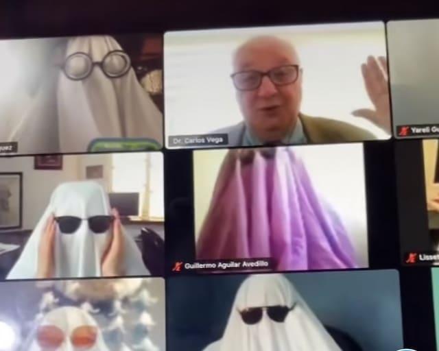 Asustan a profesor durante clase en línea