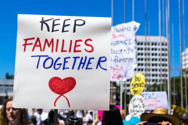 Biden tiene la oportunidad de saldar promesas pendientes con los inmigrantes
