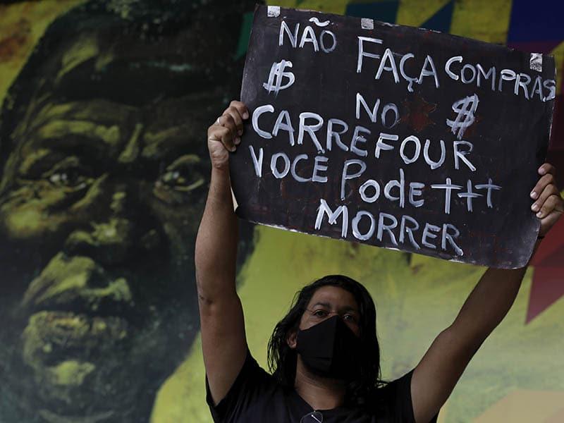 indignacion-en-brasil-en-defensa-de-las-vidas-negras-por-muerte-a-golpes-de-un-hombre-en-un-supermercado