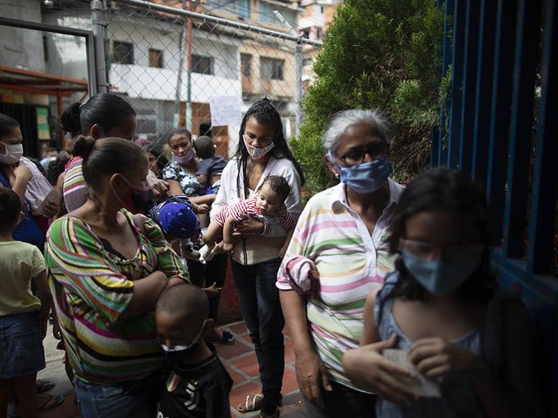 maduro-regala-a-venezuela-suspender-la-cuarentena-en-navidad