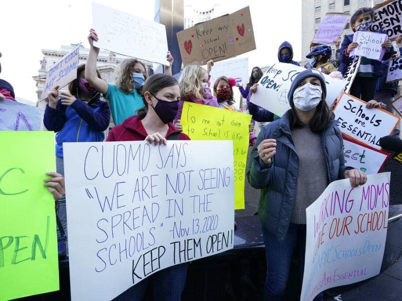 Ciudad de Nueva York cierra escuelas tras aumento en casos de COVID-19