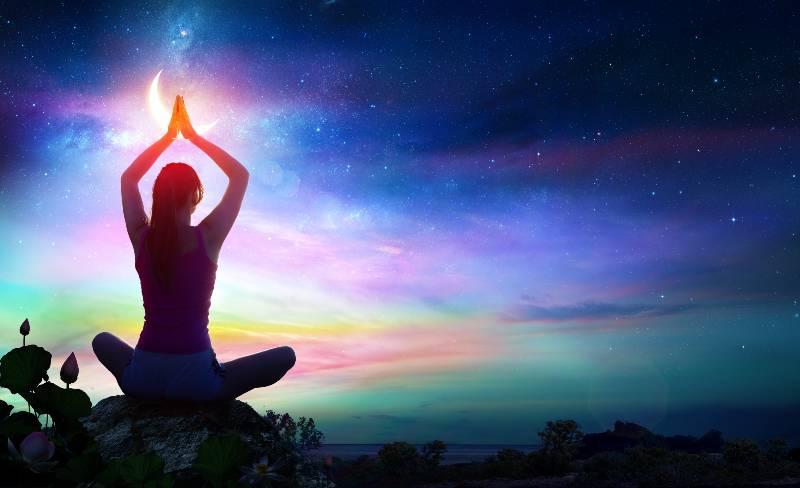 rituales-para-atraer-la-energia-de-la-luna-llena