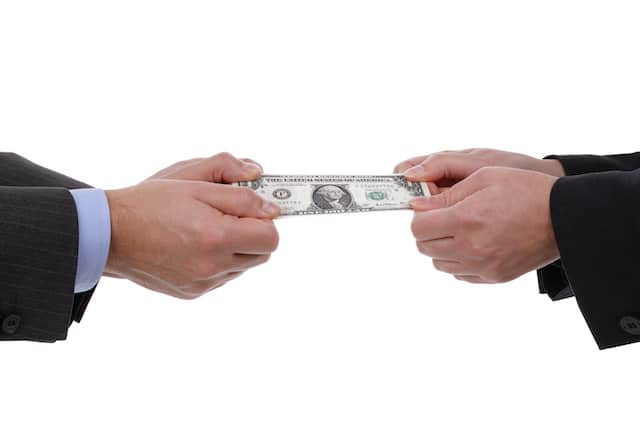 Republicanos rechazan plan de cheques de $2,000 como estímulo
