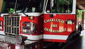Camión de bomberos de Charlotte involucrado en accidente