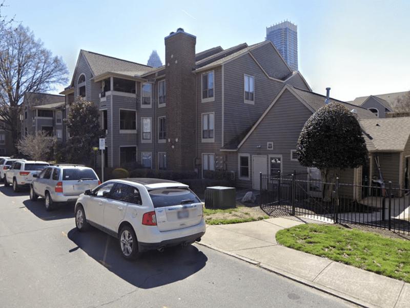 Inquilinos dan por terminada demanda contra apartamentos en Charlotte