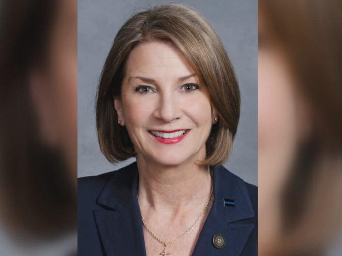 Primera mujer líder de la mayoría del Senado electa en Carolina del Norte