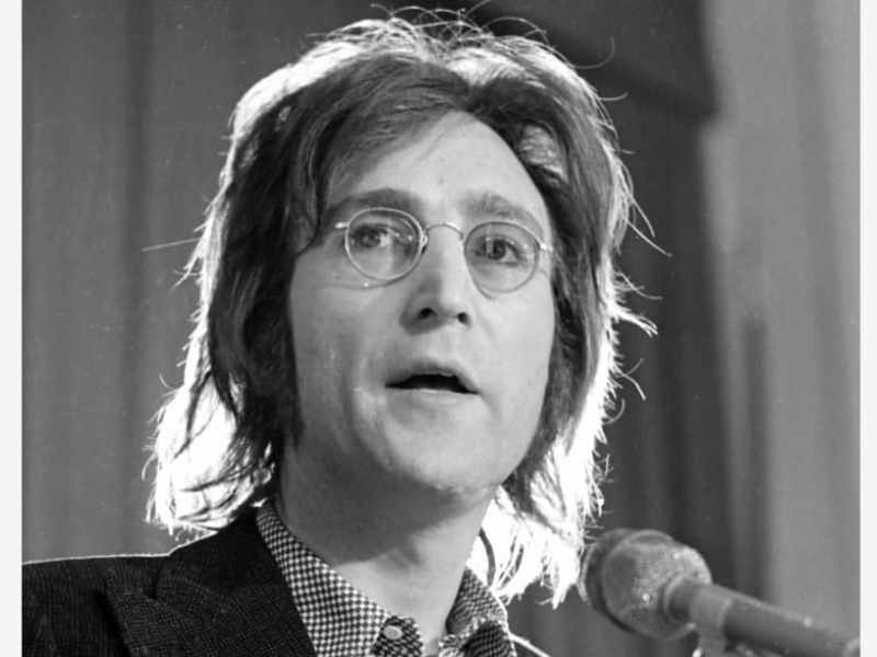 John Lennon evitó su deportación descubriendo recurso que ayudó a indocumentados