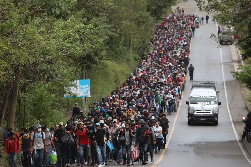 caravana-de-migrantes-unos-9-mil-hondurenos-en-pie-a-estados-unidos