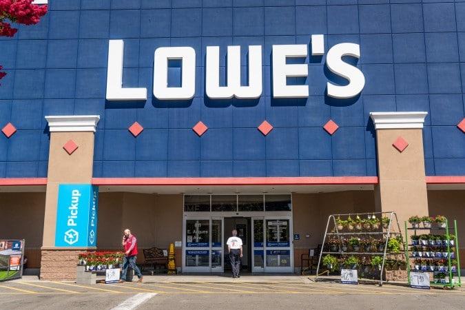 ¿Busca trabajo? Lowe's contratará 850 personas en Charlotte