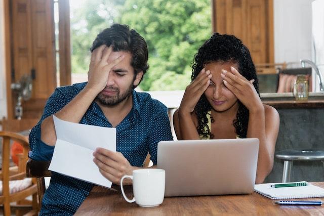 FTC: Evita a los estafadores que ofrezcan pagar tu renta