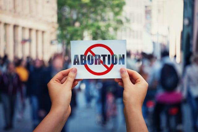 Proyecto de ley de Tennessee permitiría al padre biológico evitar que la mujer aborte