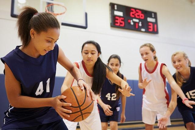 Carolina del Sur busca prohibir a los atletas trans participar en los deportes de la escuela