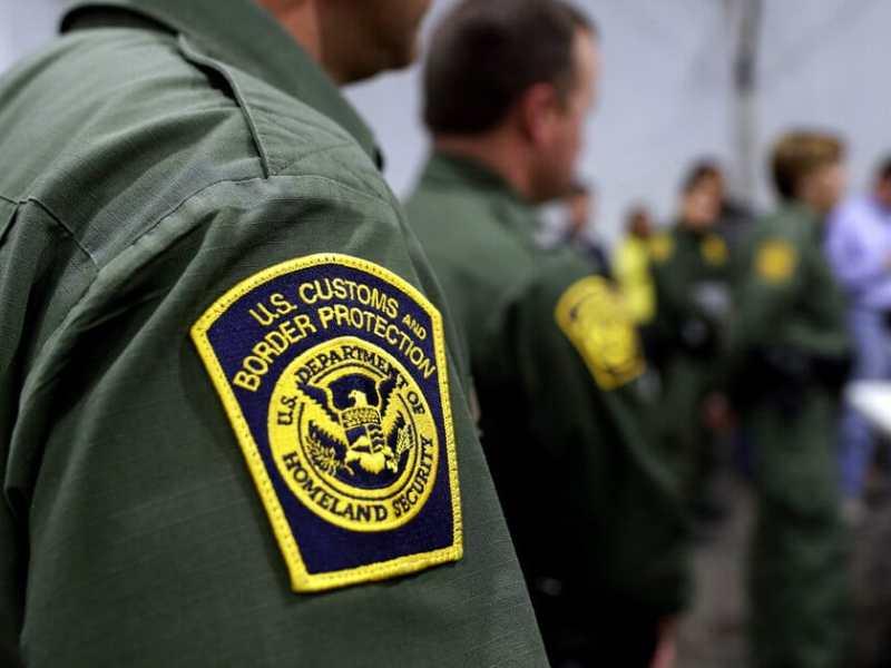 Denuncia niños inmigrantes duermen en el suelo y pasan hambre en CBP