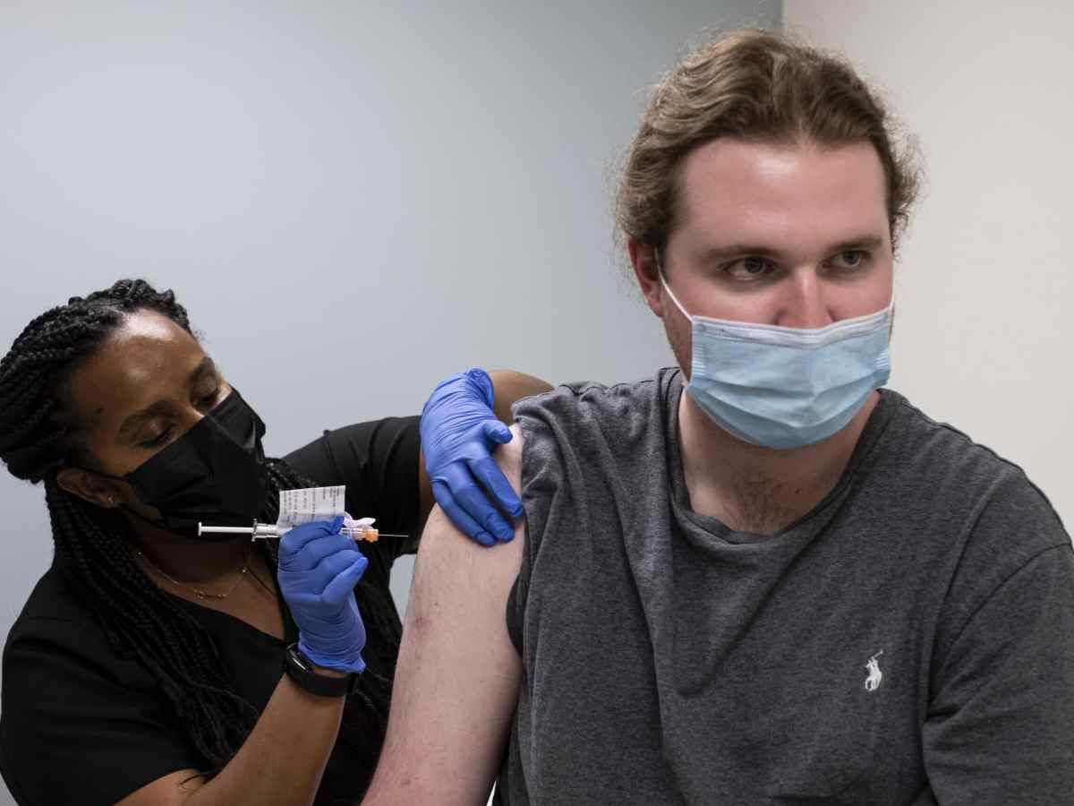 ensayan-3ra-dosis-de-vacuna-contra-variantes