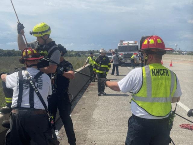 La vida de una mujer salvada después de saltar del puente