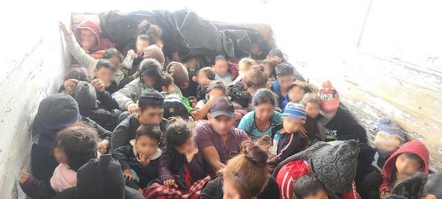 Rescatan a 61 migrantes centroamericanos