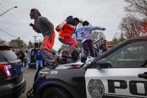 protestas-Minneapolis-brooklyn-center-abuso-policial