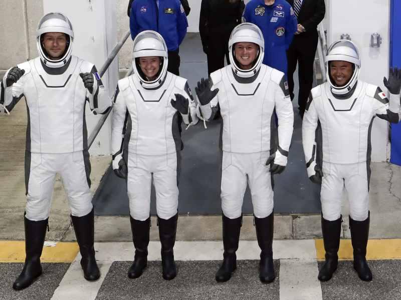 video-lanzan-cohete-spacex-desde-florida-con-4-astronautas