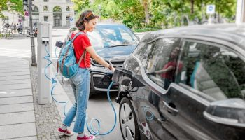 Autos eléctricos: ¿le conviene comprar uno?
